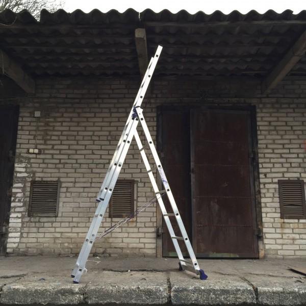 Алюминиевая трехсекционная лестница 5307 - 4