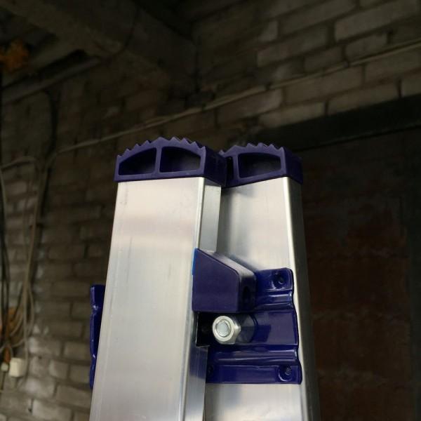 Алюминиевая трехсекционная лестница 5309 - 7