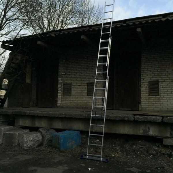 Алюминиевая трехсекционная лестница 5309 - 8