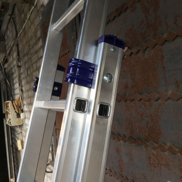 Алюминиевая трехсекционная лестница 5312 - 4