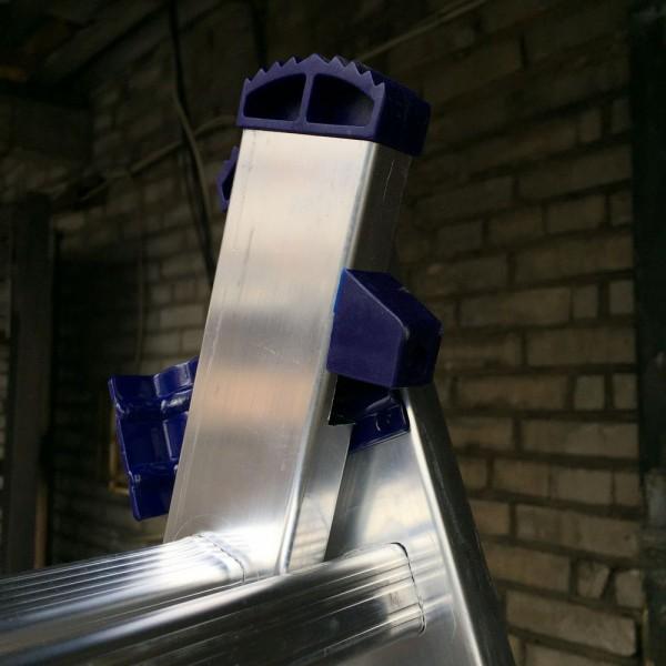 Алюминиевая трехсекционная лестница 5312 - 7