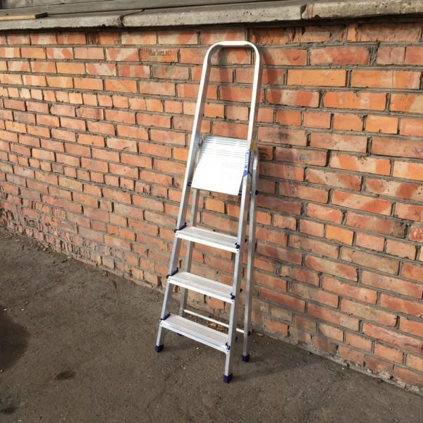 Лестница-стремянка алюминиевая матовая  4-х ст. Ам704 - 1