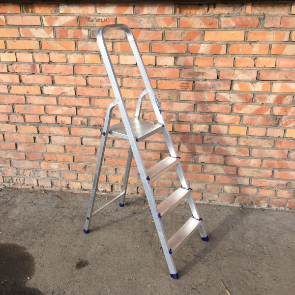Лестница-стремянка алюминиевая матовая  4-х ст. Ам704 - 2