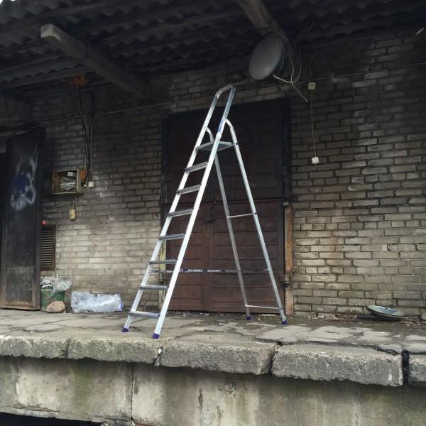 Лестница-стремянка алюминиевая матовая  8-и ст. Ам708 - 2