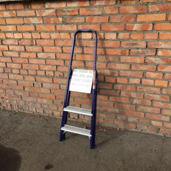 Лестница-стремянка 30*20 стальная 3-х ст.8303 - 1