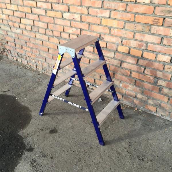 Лестница-стремянка 30*20 стальная 4-х ст.8304 - 2