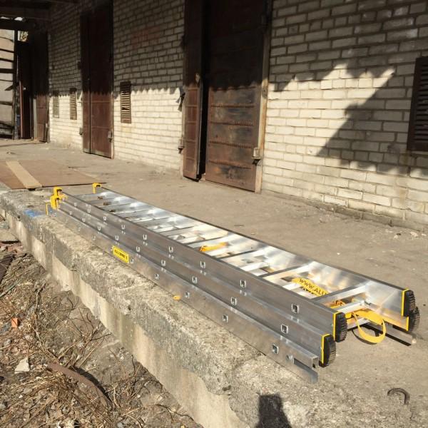 Алюминиевая трехсекционная универсальная профессиональная лестница P3 9310 - 4