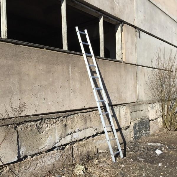 Алюминиевая односекционная лестница 5111 - 1